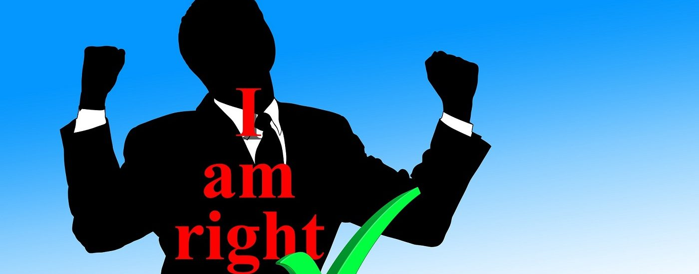 Mann mit der Aufschrift I am right und grüner Haken