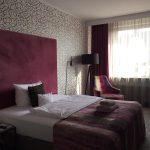 Hotelzimmer im Näglers Fine Lounge Hotel, Farbe Lila