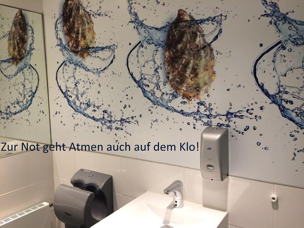 Toilette, Klo mit Muscheltapete